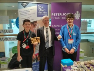 Martin Donnelly with young entrepreneurs