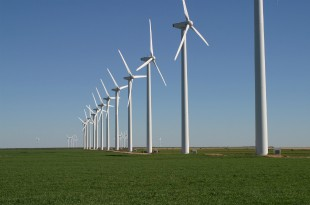 Wind turbines (credit: Leaflet/CC BY-SA 3.0)
